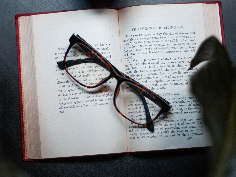 最基本的眼镜片材质有哪几种?