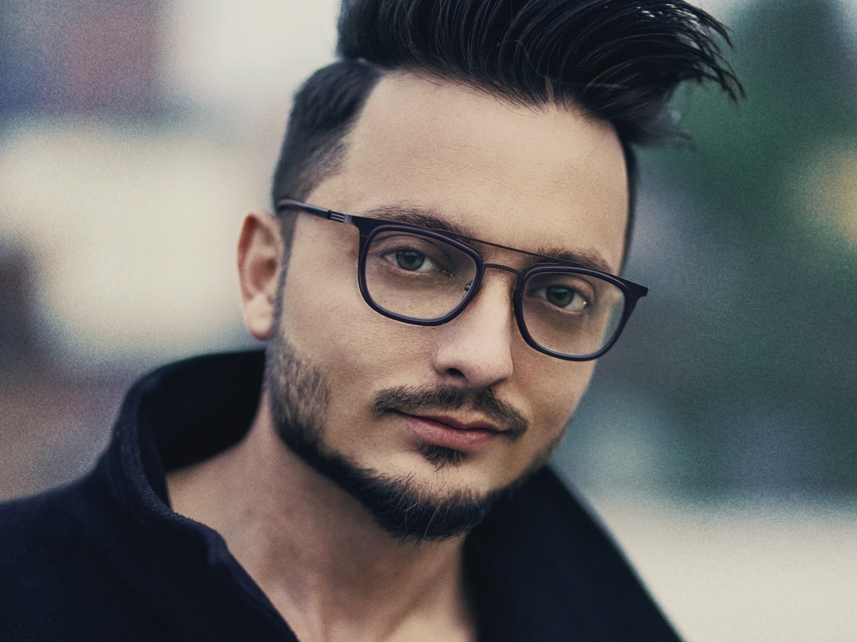 佩戴眼镜会加深近视度数?-衍诚眼镜