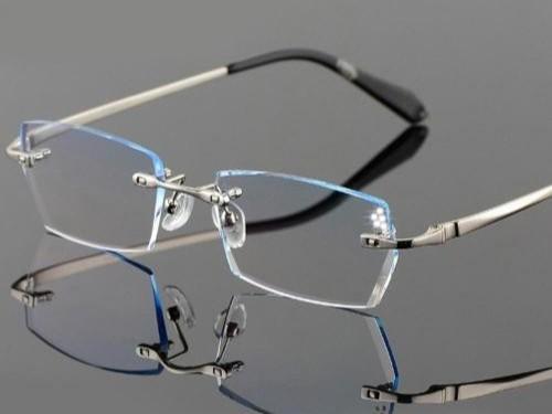 应该怎么去保养无框眼镜?
