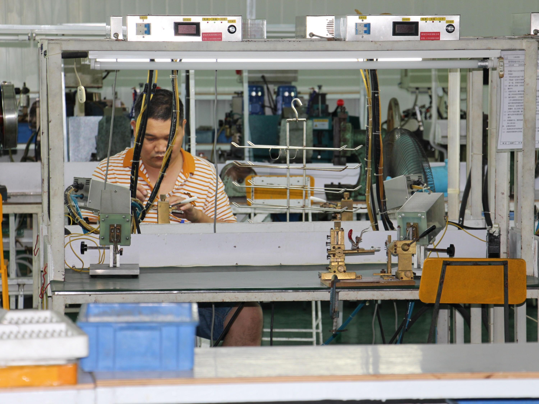 眼镜框生产厂家:纯钛镜框为何价格高