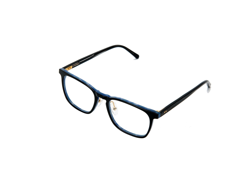 眼镜生产厂家:自己是否适合大框还是小框?