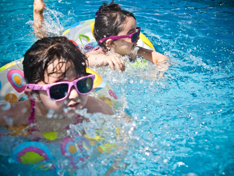 年龄小的孩子是否适合佩戴太阳镜-衍诚眼镜