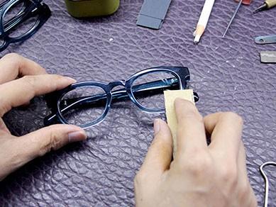 眼镜厂家分享几个你不知道的眼镜危害。