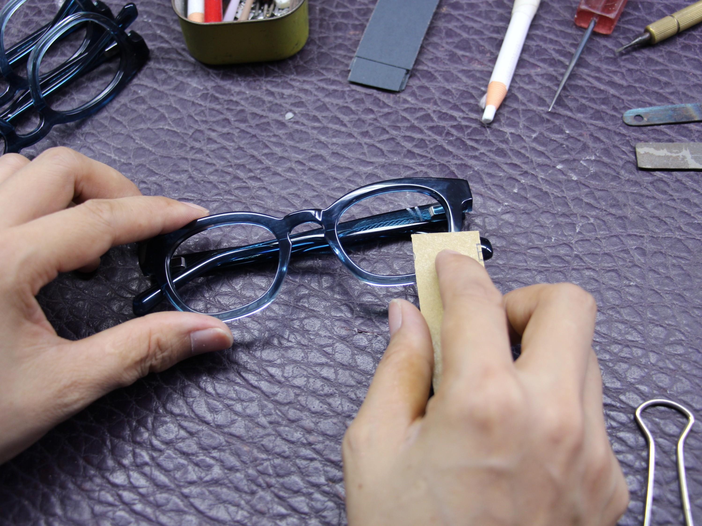 为什么你的眼镜这么容易坏了,眼镜厂家说了出普遍缘故的三个因素